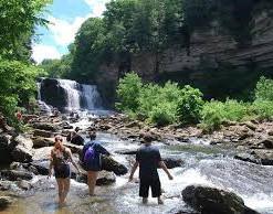 hiking at cummins falls photo 2.jpg