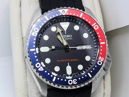 SEIKO Diver 200m Pepsi Bezel Automatic Watch