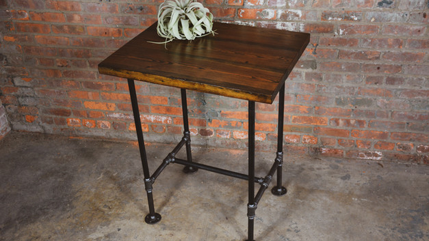 PIPE LEG YELLOW PINE TABLE