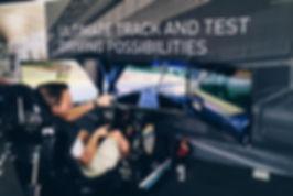 Race simulator met 3 schermen
