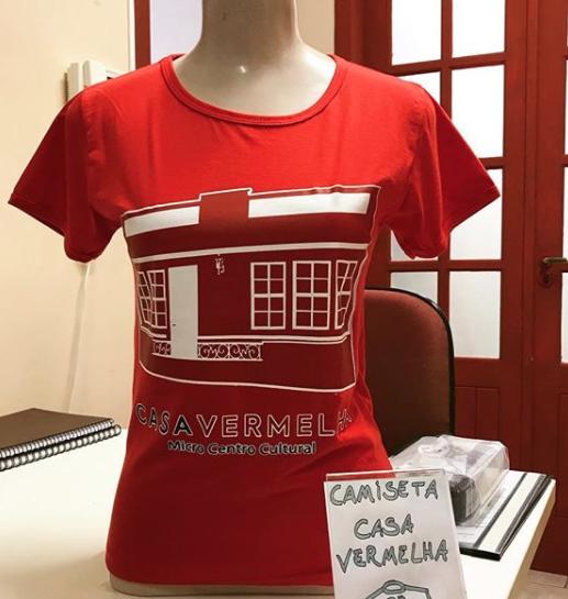 Camiseta da Casa Vermelha - Logo