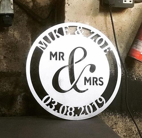 Round Mr & Mrs