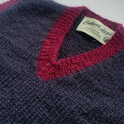 True navy tank top with mulberry trim