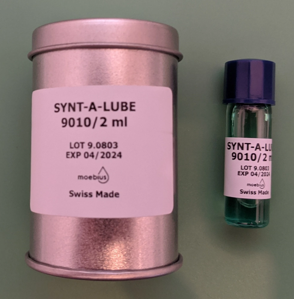 Moebius Synt-A-Lube 9010