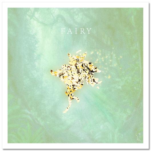 【FAIRY】  僕の言葉に君がいる 僕の仕草に君がいる FAIRY…  夕べ読んだ風水の本の通り 僕らしさを忘れてすぐに模様替え こんな光景どこかで目にしてるな あ、FAIRY     伝える事をどこか面倒くさがってる 人一倍気持ちを汲み取れるせい こんな言い訳どこかで耳にしたな あ、FAIRY  今まで過ごしてきた時間と同じだけ 僕の中で生きていくんだ 良くも悪くも君が住みついているよ 見つけた瞬間にもうクスクス笑っちゃう FAIRY  music&lyric,vo,agt,other instruments,mix,mastering,artwork byはるこうべ bass 堀田準一recorded by 深井勇次(voxbox studio)、はるこうべ