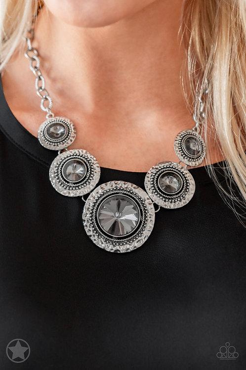 Global Glamour - Silver - Paparazzi