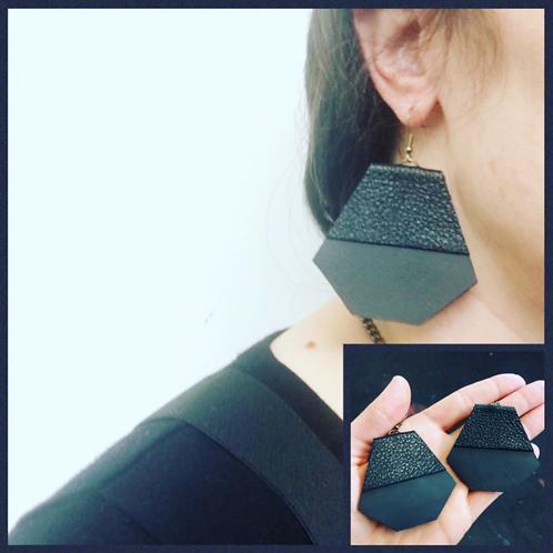 Prillamade Black Leather Geometric Earrings - 10 Pack