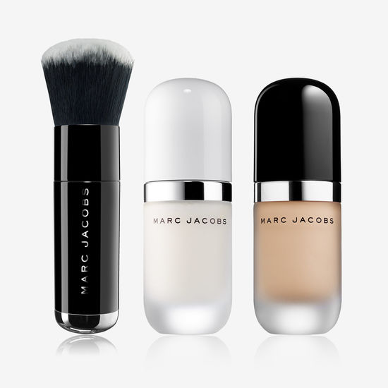 Exclusive Set Re(Marc)able: Primer Undercover, Fondotinta in crema, pennello The Face III Marc Jacobs Beauty