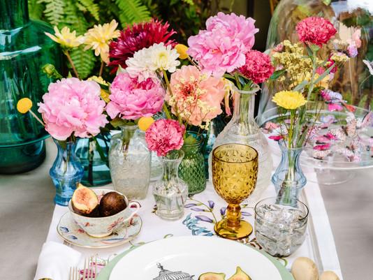 L'eleganza dei gesti e le buone maniere a tavola