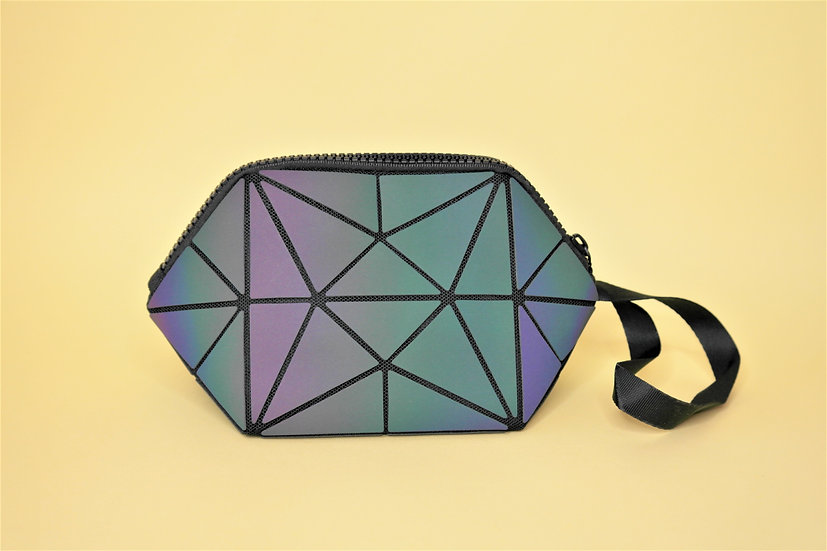 KUTY Holographic Pouch