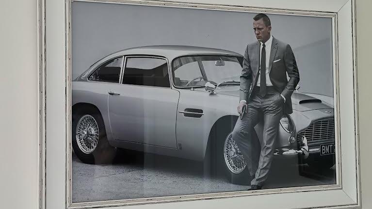 James bond classic print