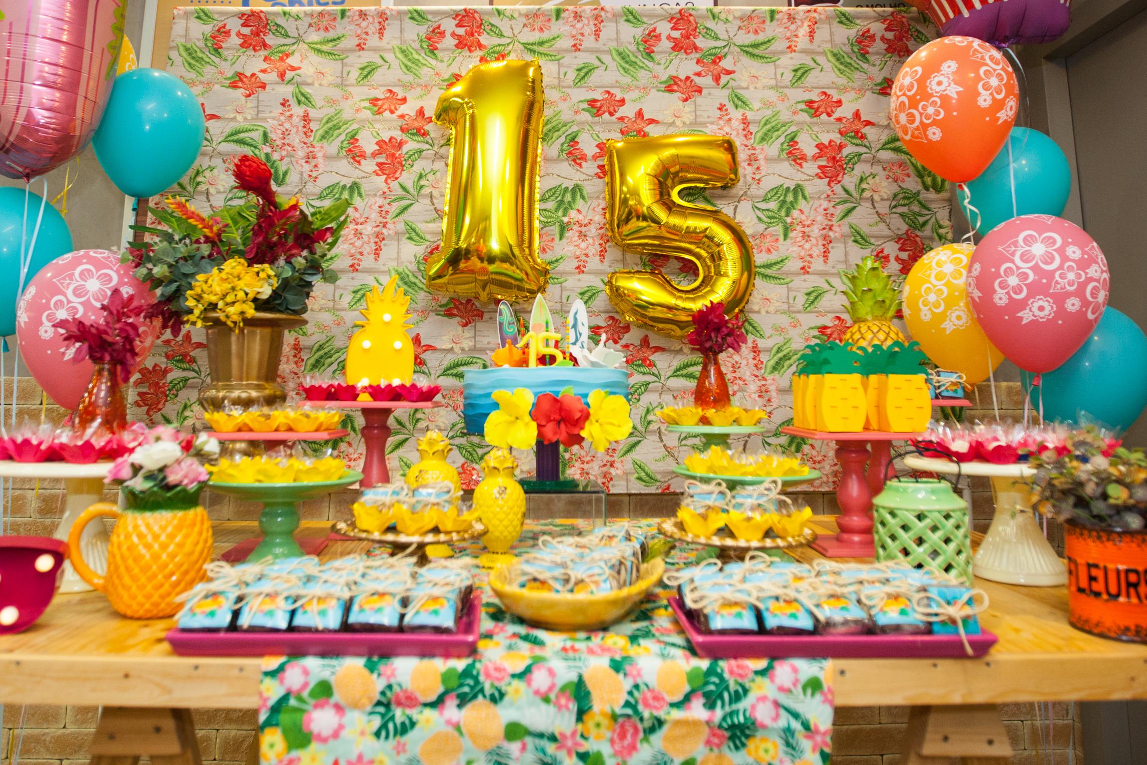 Aniversário Surpresa - Vick Faz 15!
