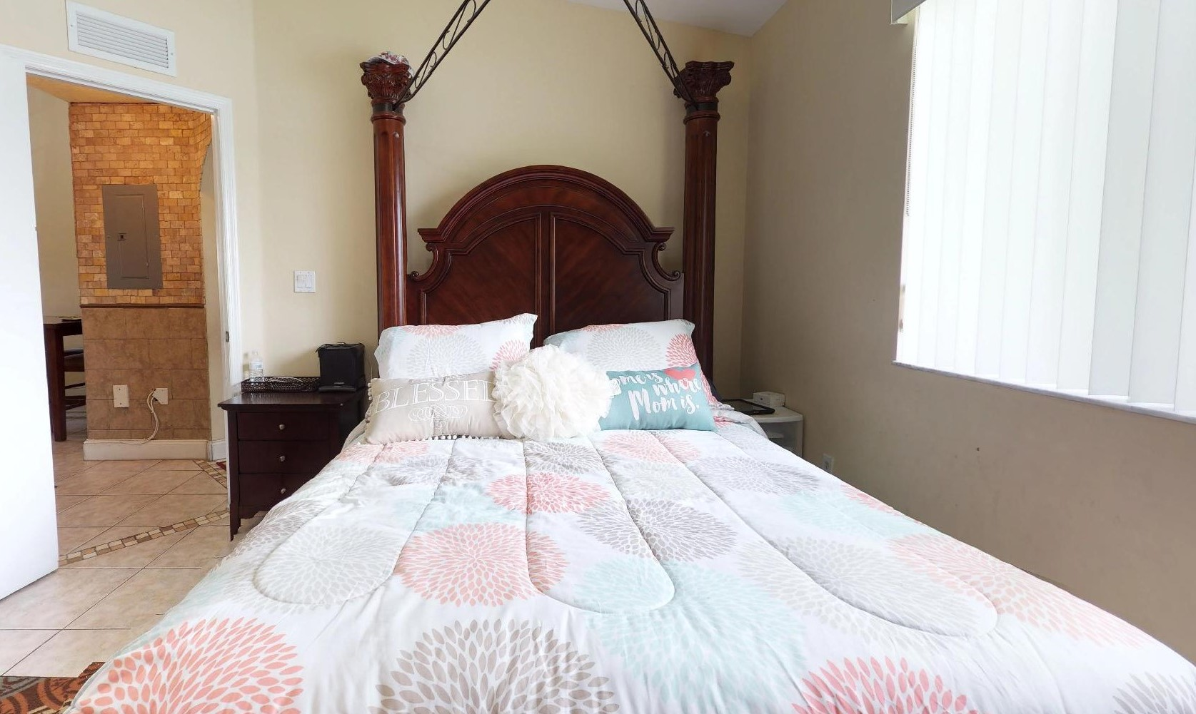 Master Bed (6)