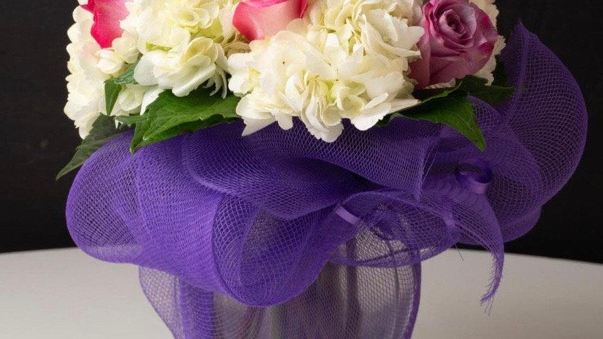 Ramo de flores en florero