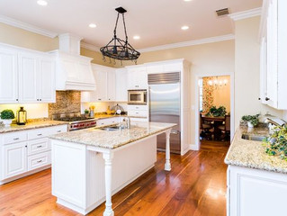Home Staging Ideas for the Kitchen to Make Buyers Bite