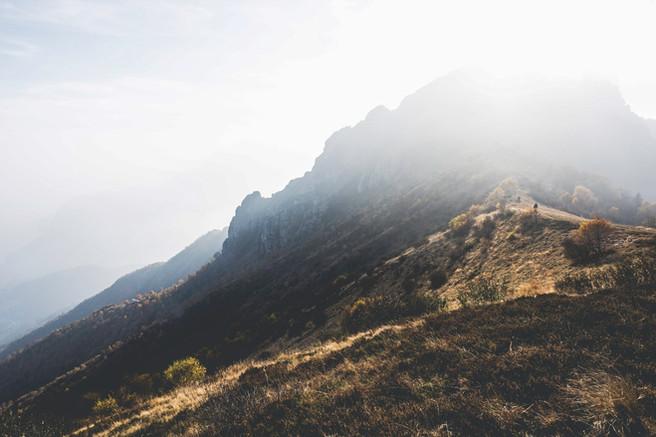 Özensiz Hills