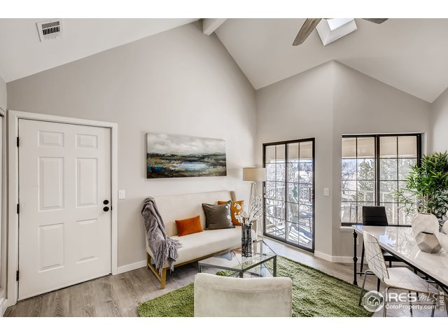 Stunning one-bedroom with views, amenities. 4725 Spine Rd. Unit C Boulder, CO 80301