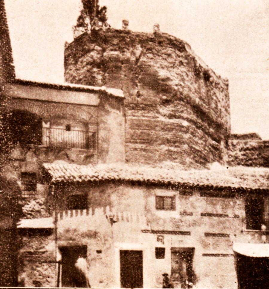 Restos torre del homenaje Castillo de Ce