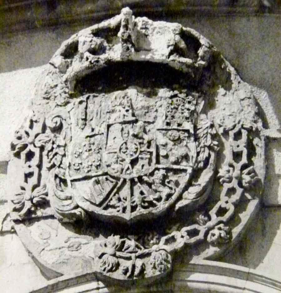 ESCUDO REAL CARLOS III