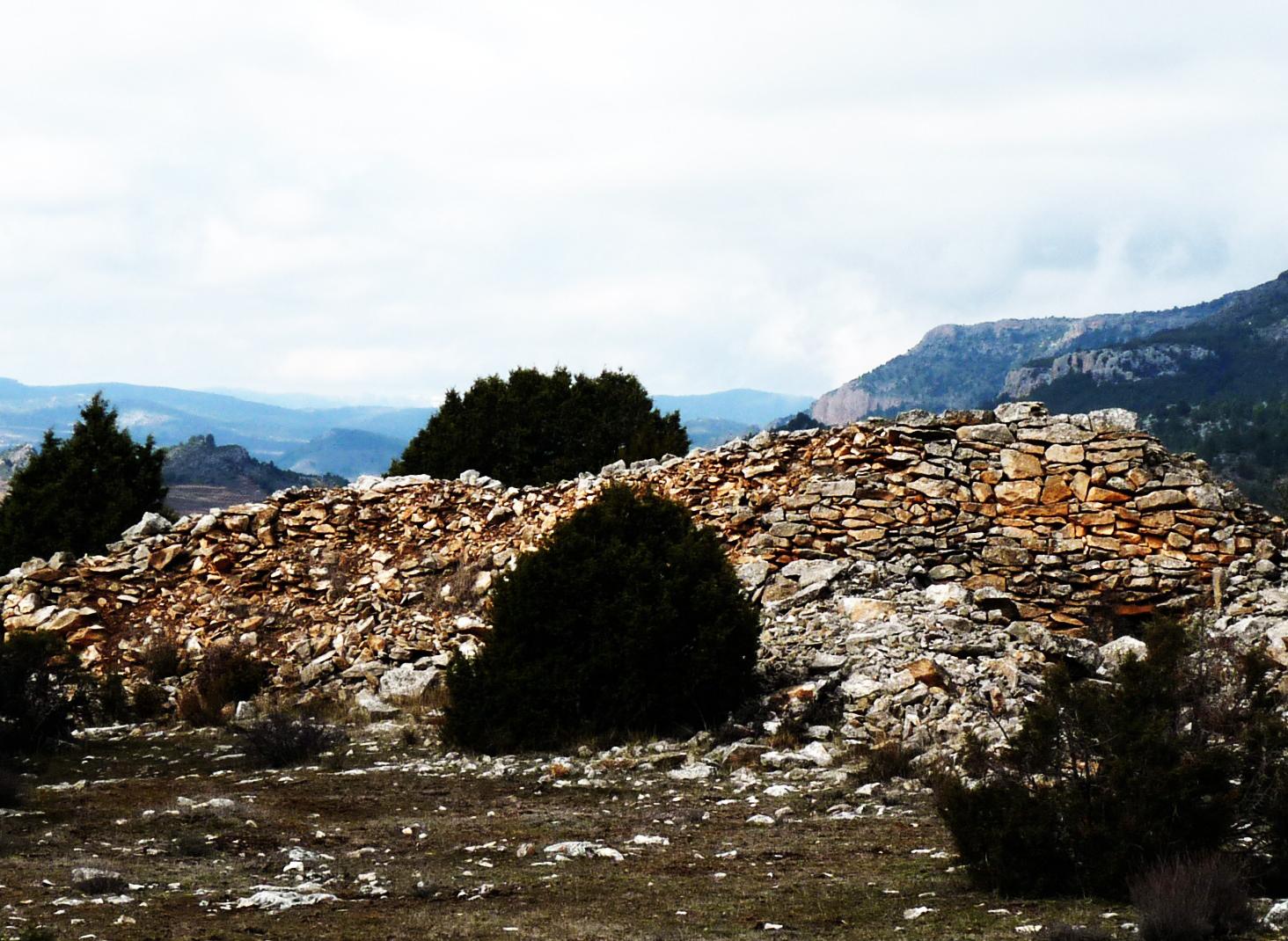 Muralla megalítica piedra en seco