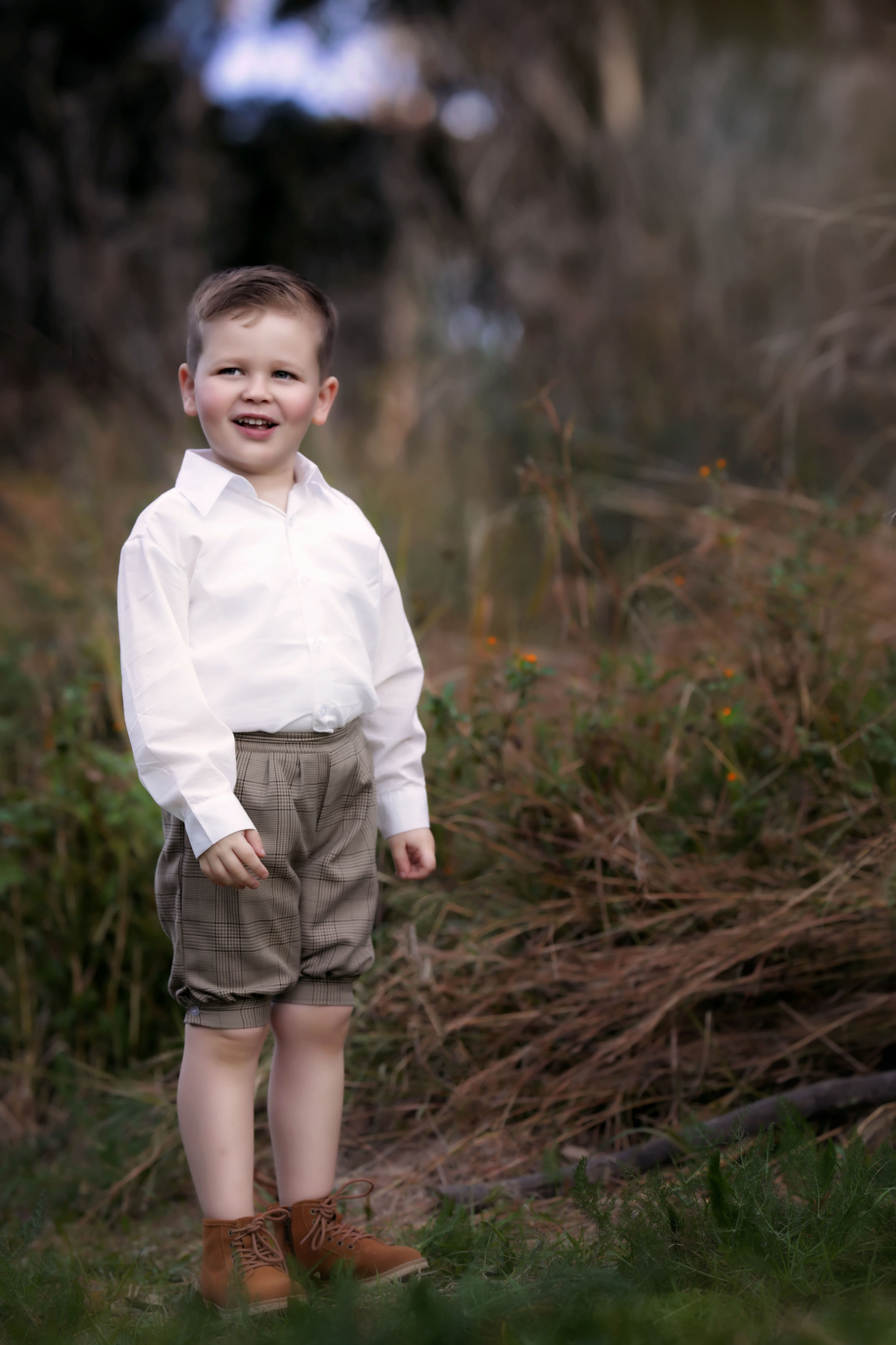 boys & kids photos in outdoor settings
