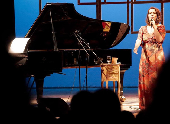 Show da cantora Gisele de Santi. Casa. Sesc Pompéia. São Paulo. 2016.
