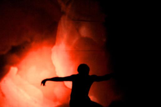 Laboratório do Fogo. Casa de Cultura Tony Petzhold. Porto Alegrte. 2015. foto (Thais Petzhold, Robson Duarte). Foto: Cláudia de Bem.