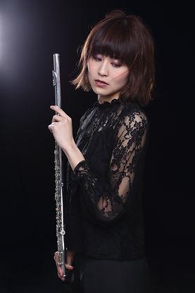 按田佳央理flute黒.jpg