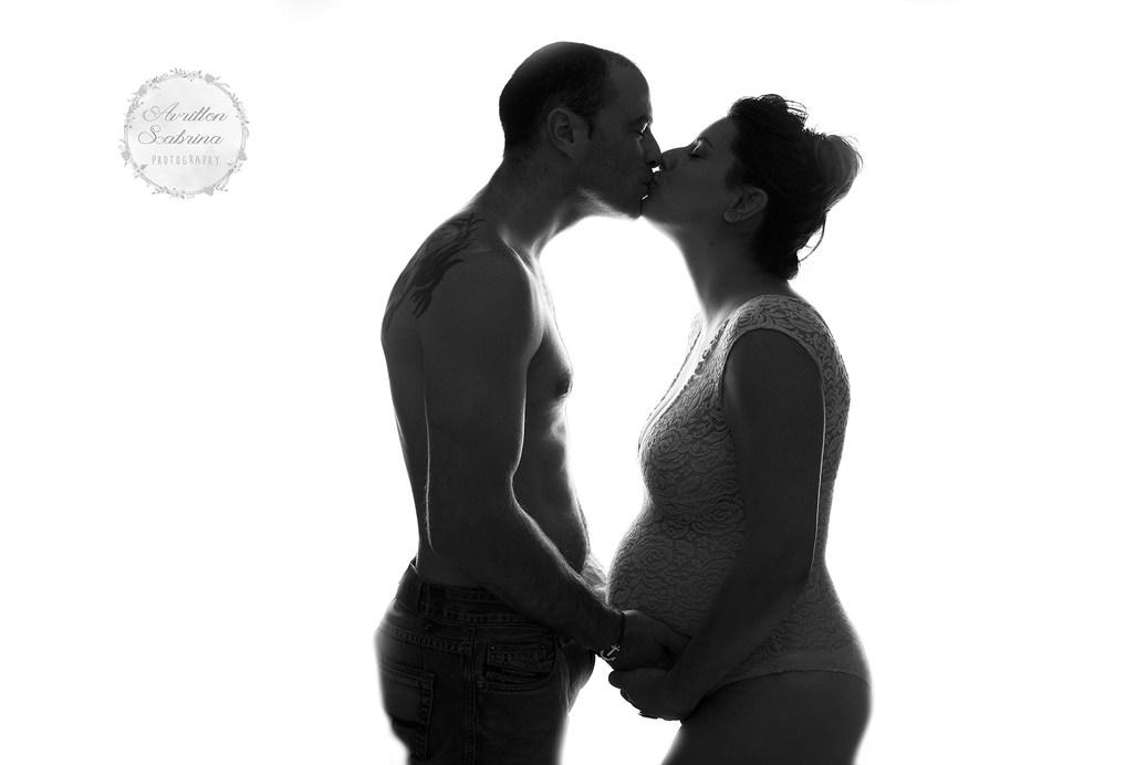 Séance photo grossesse en couple - Studio de photographie en Sarthe 72