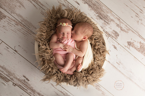 Photographe en Sarthe 72 - séance photo jumeaux jumelle avec prêt d'accessoires