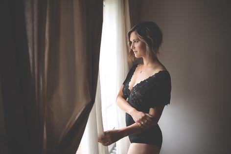 Noir et Blanc - Art - Portrait - Femme - Sexy - Boudoir - Sensualité - séance extérieur- Sarthe - Pays de la loire - La Ferté-Bernard -  Paris - Le mans - Chartres- Alençon -Blois - Vendôme - Orléans