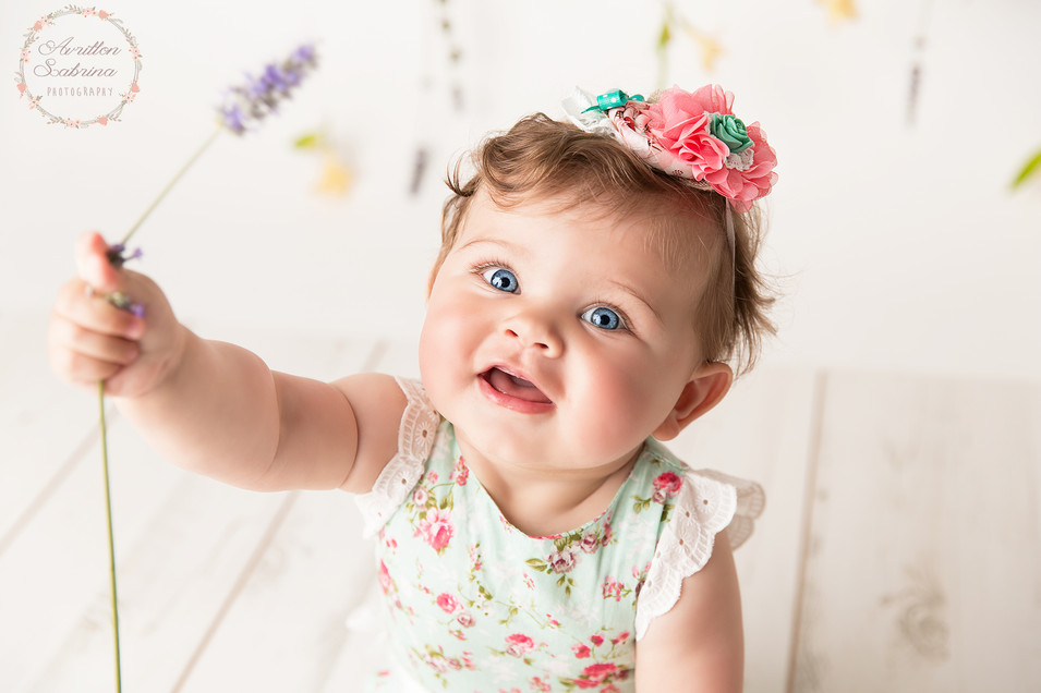 Séance bébé fleuris en sarthe 72 - Pays de la loire
