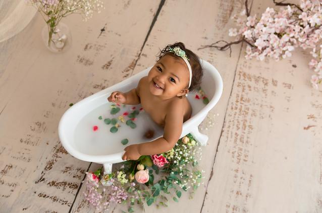 Séance bébé et bain de lait à la ferté-bernard 72