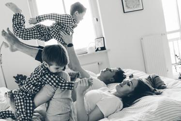 Фотограф Мюнхен семья дети домашняя съёмка