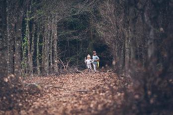 Familienfotografie, Spaziergang im Wald