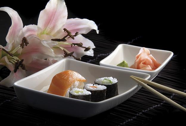 721200960015AM_sushi_2.jpg