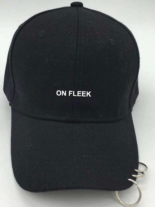 ON FLEEK Metalring Black Cap