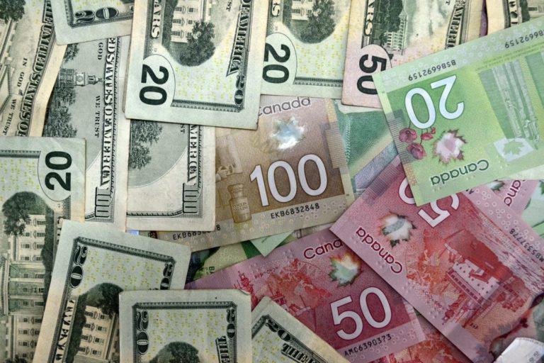 canada-us-money-21782880_l-768x512.jpg