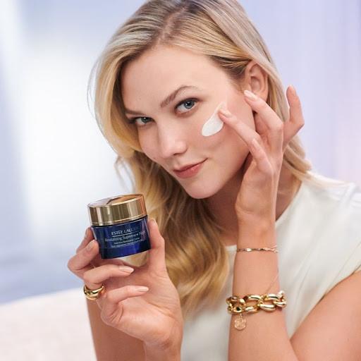 Estée Lauder Revitalizing Supreme Night Intensive Restorative Crème