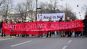 Flüchtlingsdebatte: Wie Menschen gegeneinander ausgespielt werden (Deutschlandfunk Kultur)