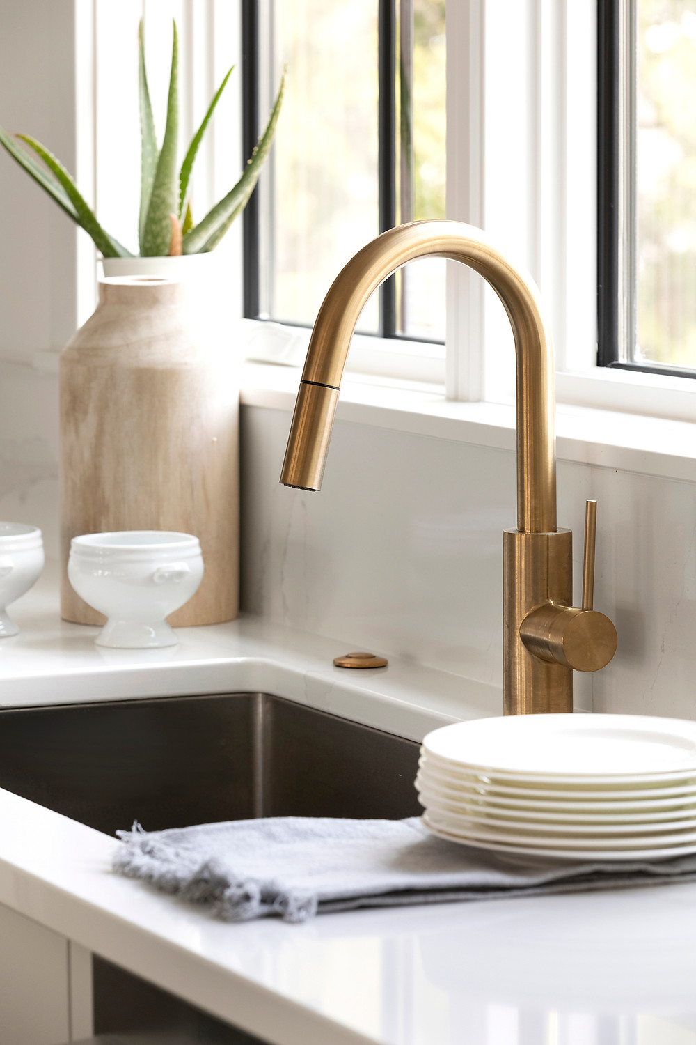 Kraus Oletto Single Pull Down Faucet