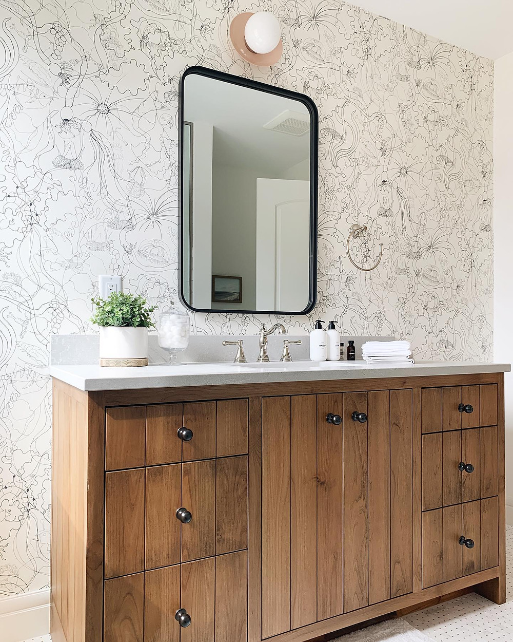 Pros and cons of quartz in your bathroom
