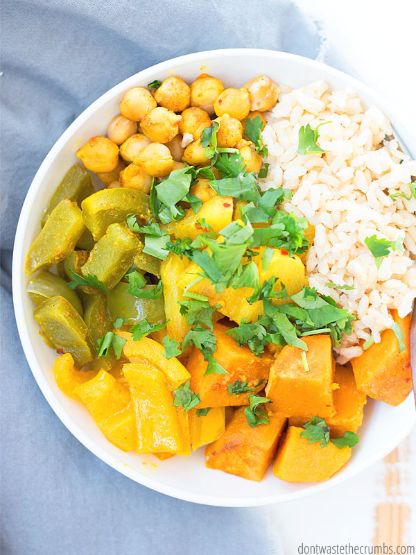 Slow cooker Thai pineapple vegetable curry