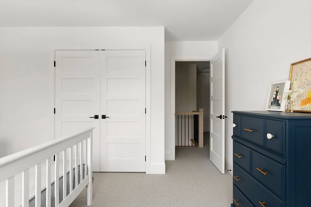 Kids room, large closet, kids bedroom