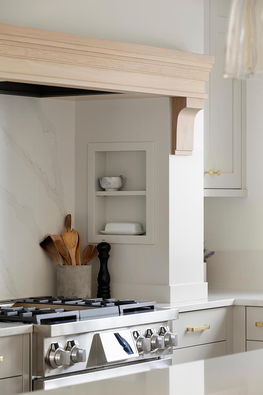 Range hood mantel white kitchen silestone quartz backsplash