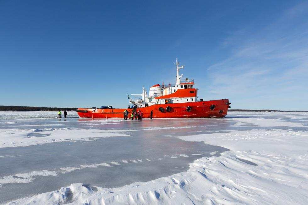 Ice Breaker - Oostzee, Sweden.jpg