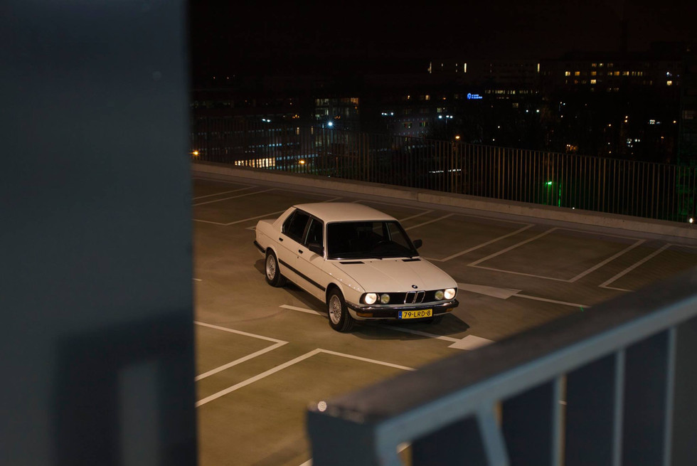 BMW E28 by night