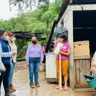 Continúan trabajos de apoyo a familias afectadas por las lluvias en el estado