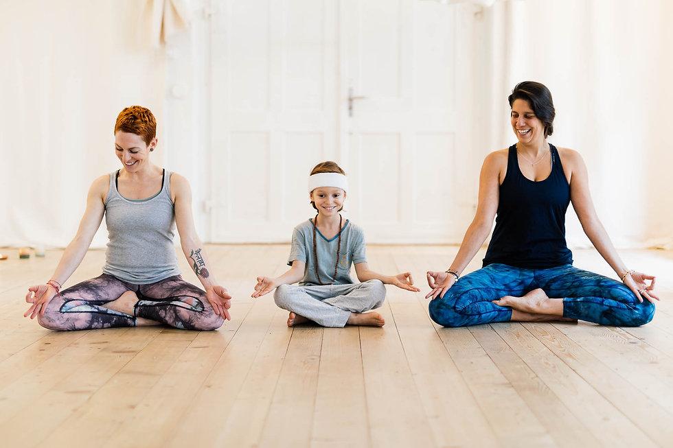 yoga_feb18_martin_bissig_0238-web.jpg