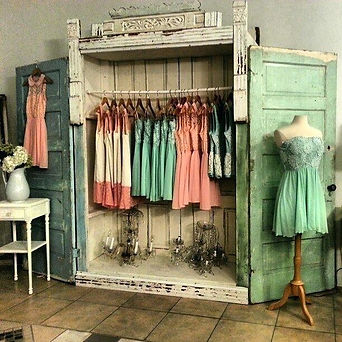 boutique-display-ideas-clothing-store-wa